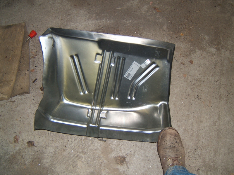 1970 Chevelle Floor Pan Getting Seam Sealer Maine Mustang